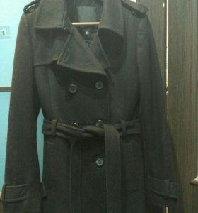 Женское пальто M
