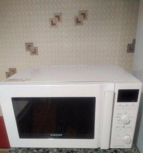 Продам микроволновую печь (гриль и конвенция)