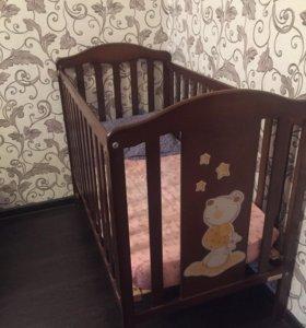 Детская кроватка фирмы Micuna и матрас