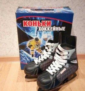 Коньки хоккейные размер 39