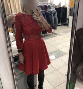 Платье s-m