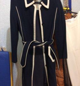 Плащ - пальто на подкладке 42-44