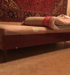 Кровать деревянная полутораспальная