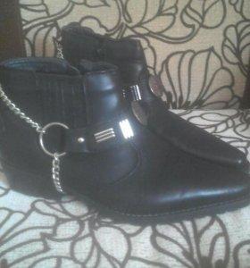 Ботинки зима новые.