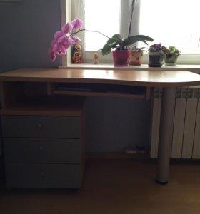 Письменный стол( стул в подарок)