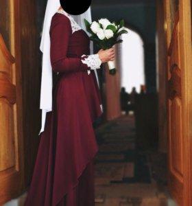 Платье на никах или торжество.