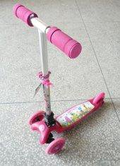 Самокат 3 х колёсный для девочки