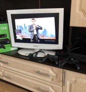 Продам Xbox One + Kinect