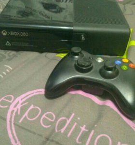 Xbox 360e 4 gb