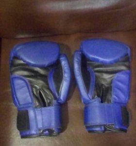 Перчатки боксерские.Шлем.Защита ног