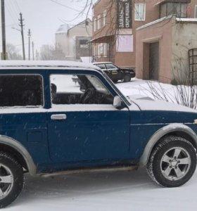 нива сине-зеленая 2001г.в