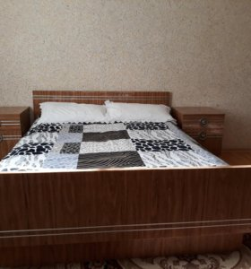 Спальня, спальний гарнитур
