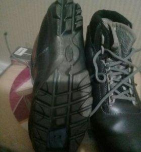 Лыжные ботинки р 38