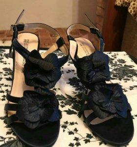 Женская обувь Босоножки