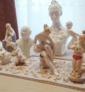Коллекционные статуэтки из фарфора (12 шт.)