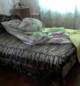 Кровать. Срочно.