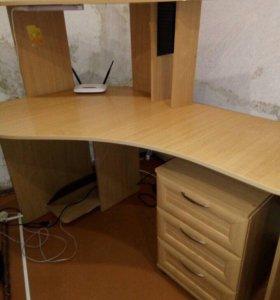 Стенка детская и компьютерный стол
