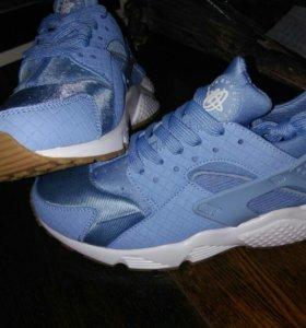 Новые женские кроссовки Nike Huarache