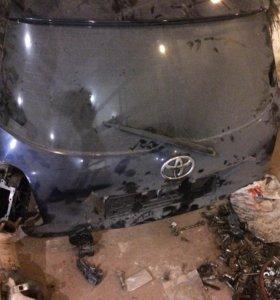 Дверь багажника Toyota Auris дефект