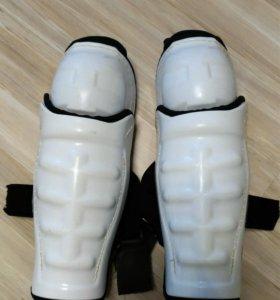Наколенники хоккейные. 12 размер
