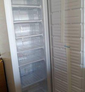 Морозильный шкаф DEXP SF250H