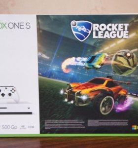 Xbox One S 500 гб +rocket league Новый