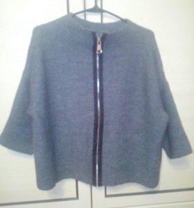 Вязаный свитер (новый)