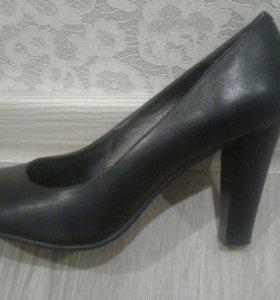 Туфли женские натуральные р.37