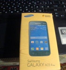 Смартфон Samsung ACE 4