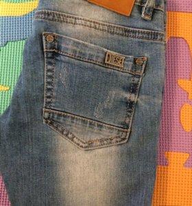 Женскии джинсы