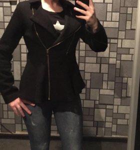Черное пальто новое