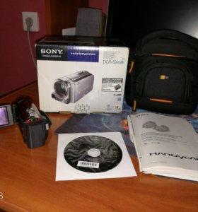 Видеокамера Sony Handycam DRC-SX44E