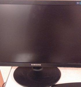 Монитор Samsungr E1920NW