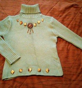 Тёплый шерстяной свитер