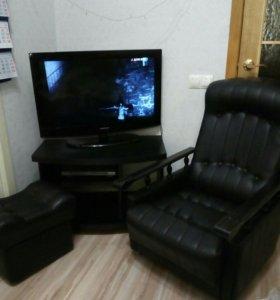 Кресло, тумба под телевизор, пуфик. Комплект.
