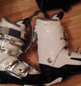 Горнолыжные ботинки Fischer My Style 7 White/Black