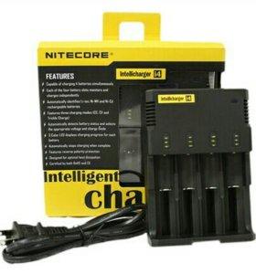 Универсальное зарядное устройство Nitecore I4