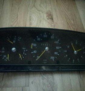 Продам приборную панель на Mercedes w123