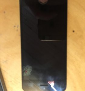 Экран iPhone 5s чёрный