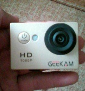 Action Camera - GEEKAM золотого цвета