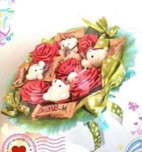 Букет из мишек и конфет,оригинальный подарок