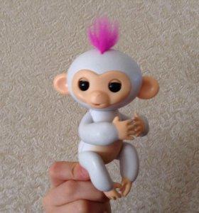 Интерактивная обезьянка.Издает 40 разных звуков !