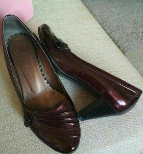 Туфли 36 размера, лакир