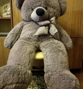 Продам игрушку медведя, длина 1 метр
