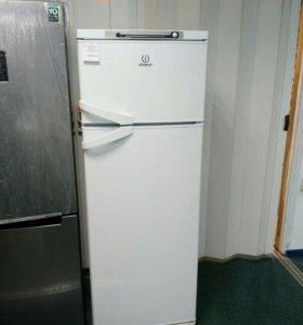 Холодильник Indesit ST167.028 б/у