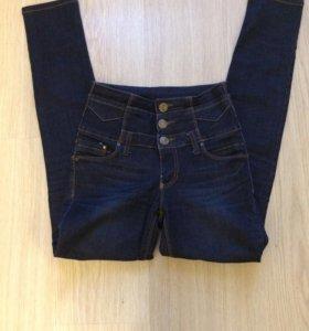 Высокие джинсы 42р(XS) рост до 162см