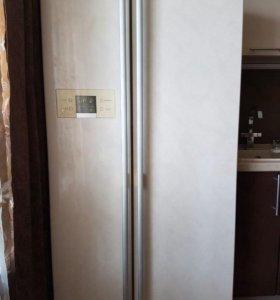Холодильник LG сайд бай сайд