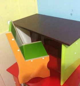 Детский столик стульчик.