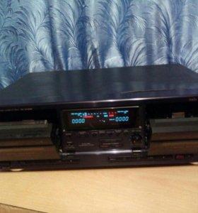 Музыкальная двухкасетная дека AIWA модельAD-WX828E