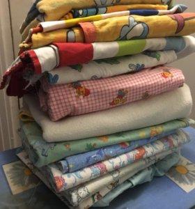 Одеялко,пеленки и 2 комплекта в детскую кроватку